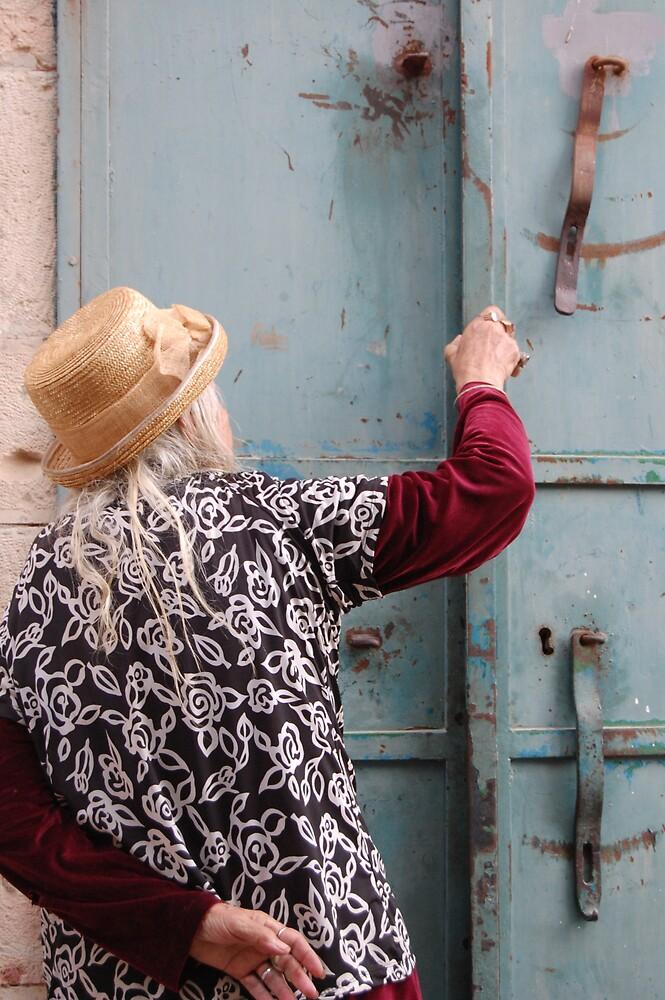 Old lady - Eyn Kerem by yogibear91