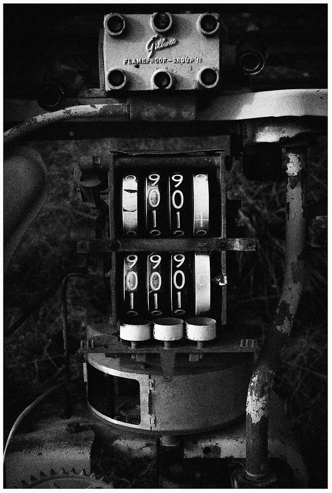 pump #2 by Jeff Moorfoot