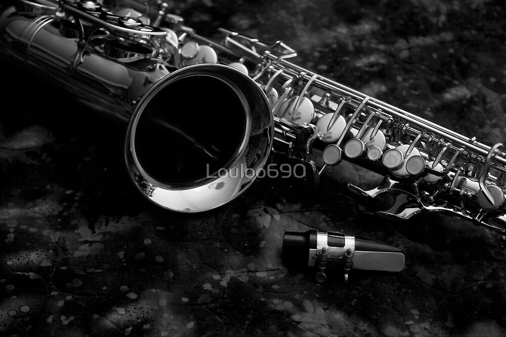 saxophone by Louloo690