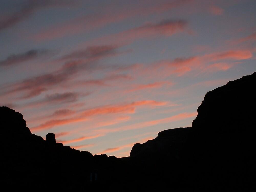 Desert sky by MichaelBr