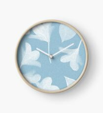 Himmelblaue Frühlingsblumen Uhr