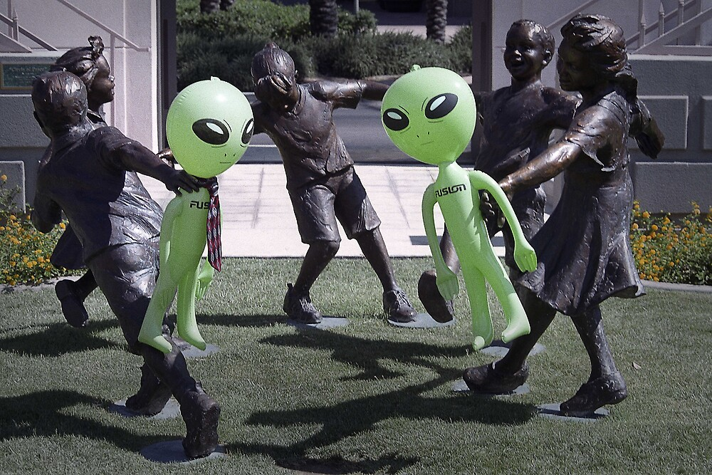Ring Around with Aliens by Habenero