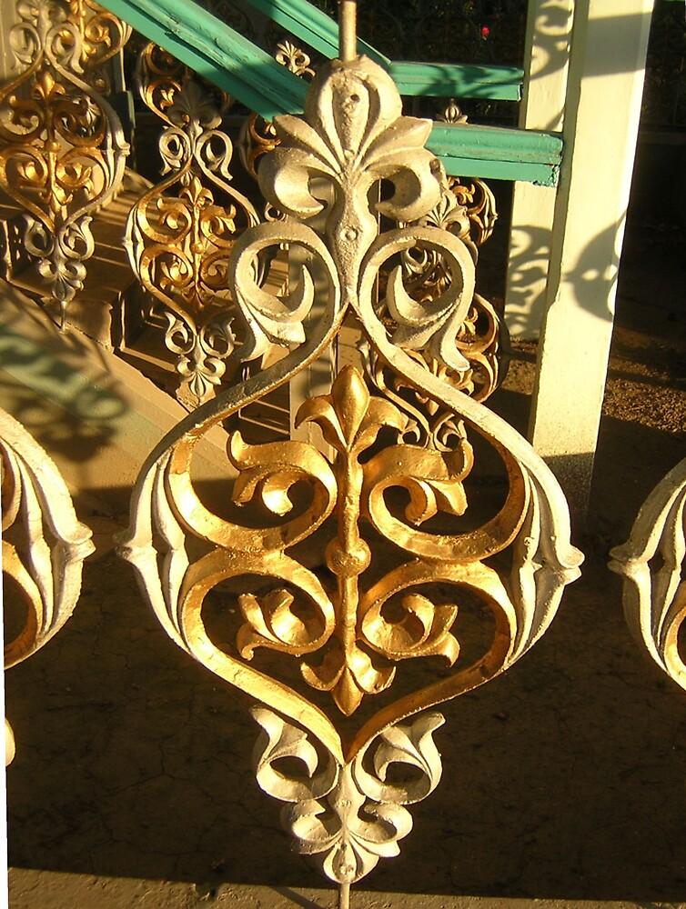 Golden Ironwork by KZBlog