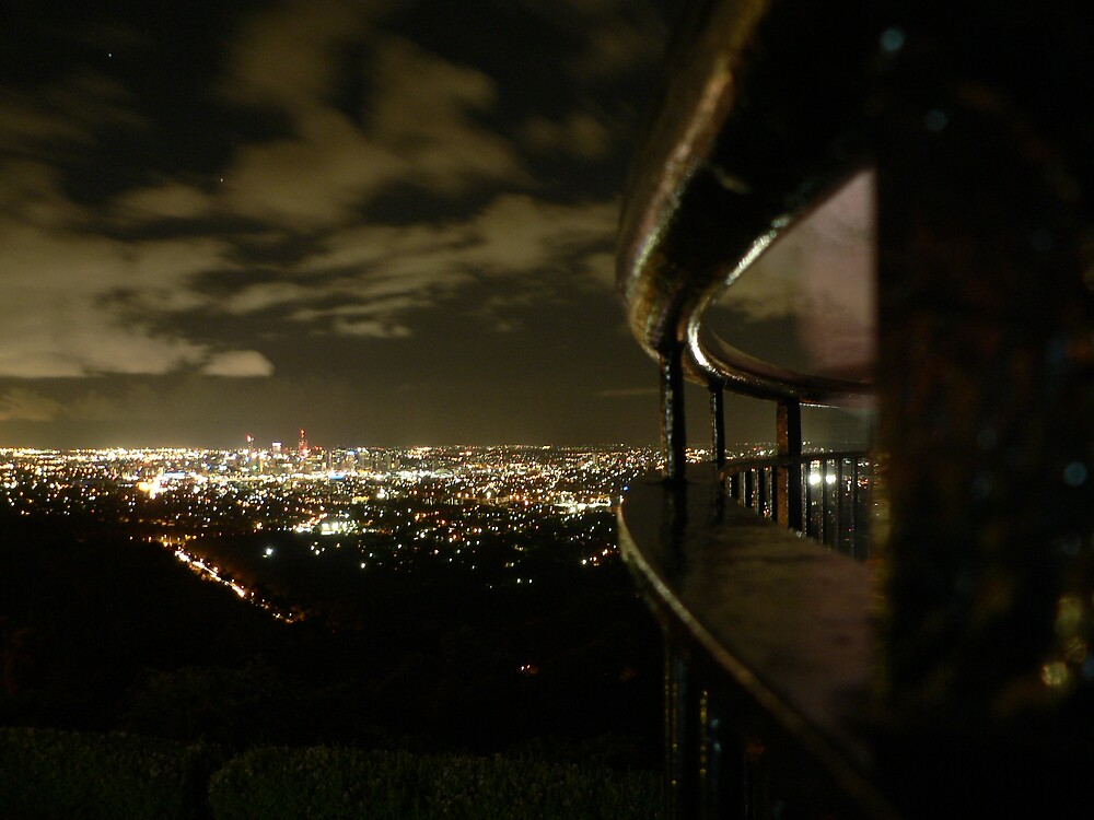 .Mt Coot-tha Night. by Samantha Field