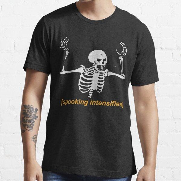 camiseta espeluznante muestra tu amor por las películas de terror con brujas y monstruos Camiseta esencial