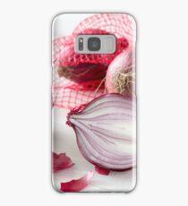 Schalotten im Netz auf weißem Holztisch Samsung Galaxy Case/Skin
