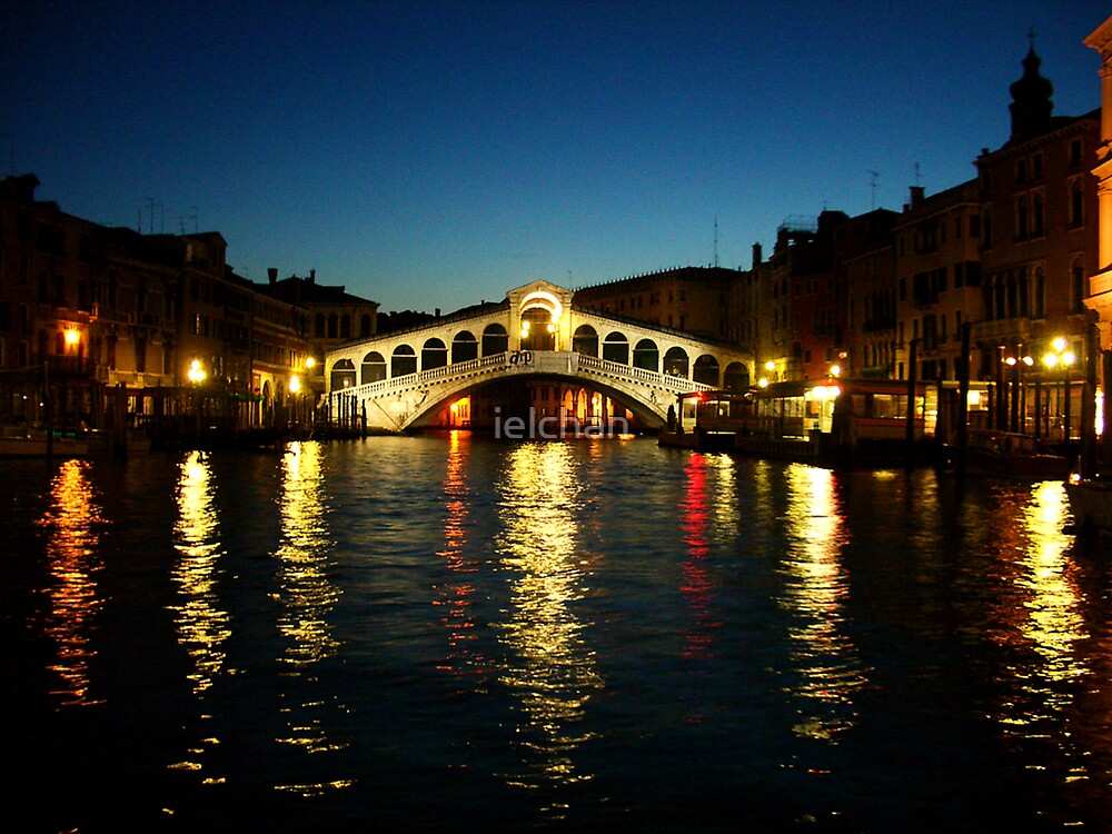 Rialto Bridge, Venice by ielchan