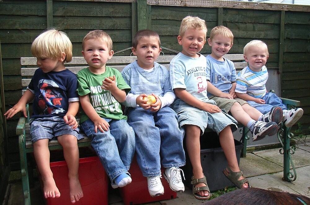 My six Great Grandchildren by dubris