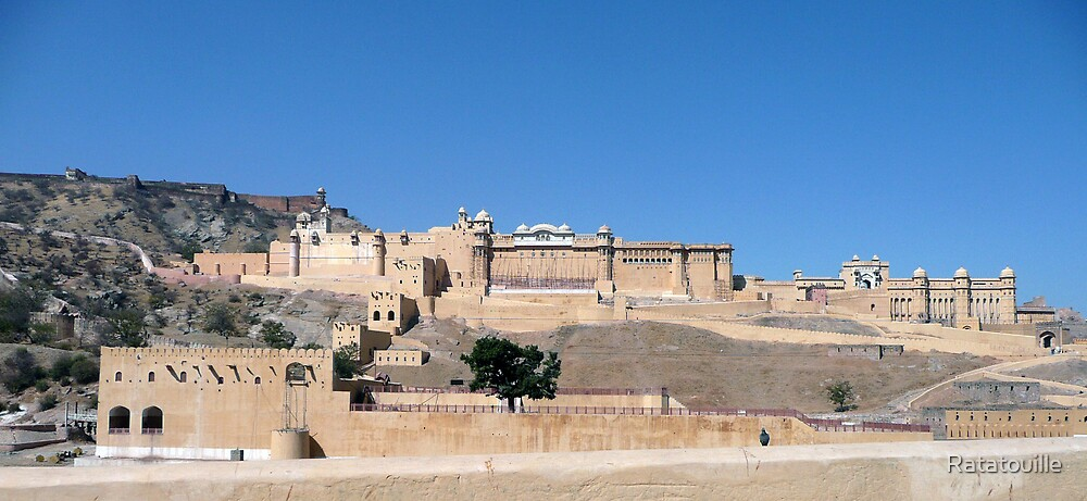 Amber Fort in Jaipur  by Ratatouille