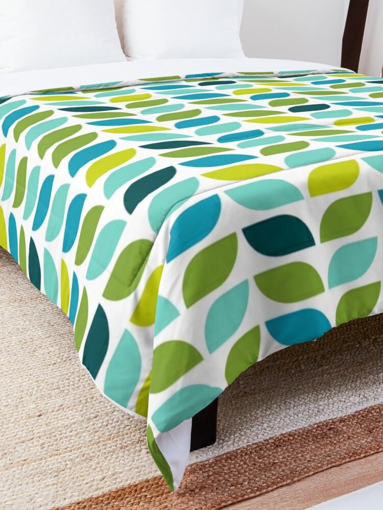 Alternate view of Geometric Pattern: Leaf: Spring Comforter