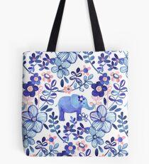 Blasse Koralle, weißer und purpurroter Elefant und Blumenaquarell-Muster Tasche