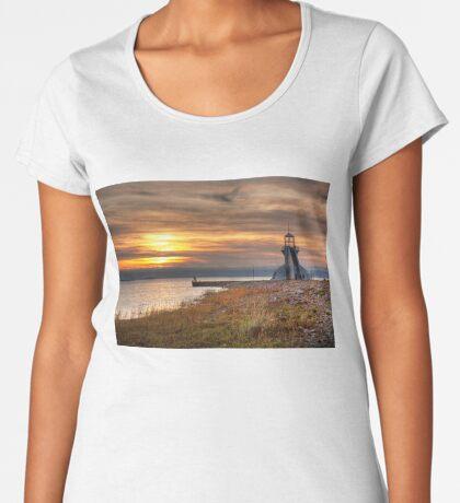 View point Women's Premium T-Shirt