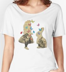 Alice & the Rabbit - Vintage Wonderland Book Women's Relaxed Fit T-Shirt