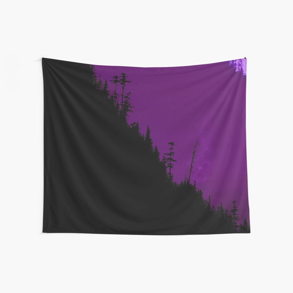 In den Wald - Dark Forest - Purple Wandbehang