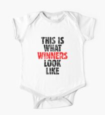 THIS IS WHAT WINNERS LOOK LIKE (Vintage Black/Red) Kids Clothes