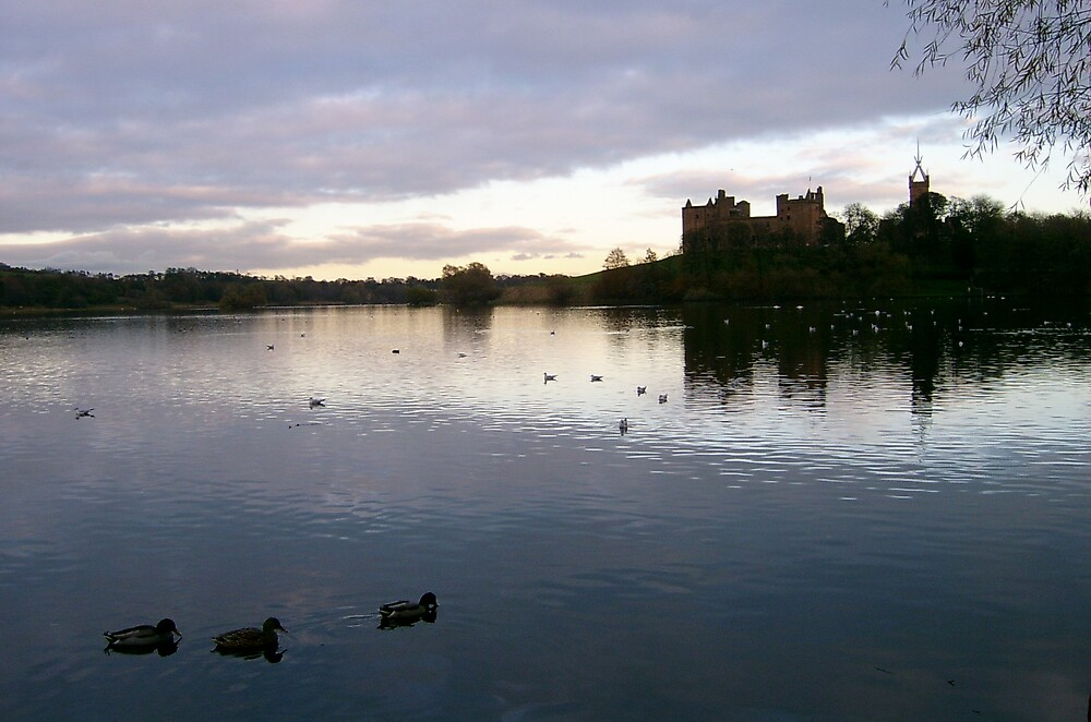 Linlithgow Palace by KerryCash