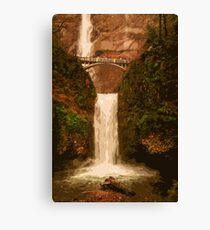 Multnomah Falls in autumn Canvas Print