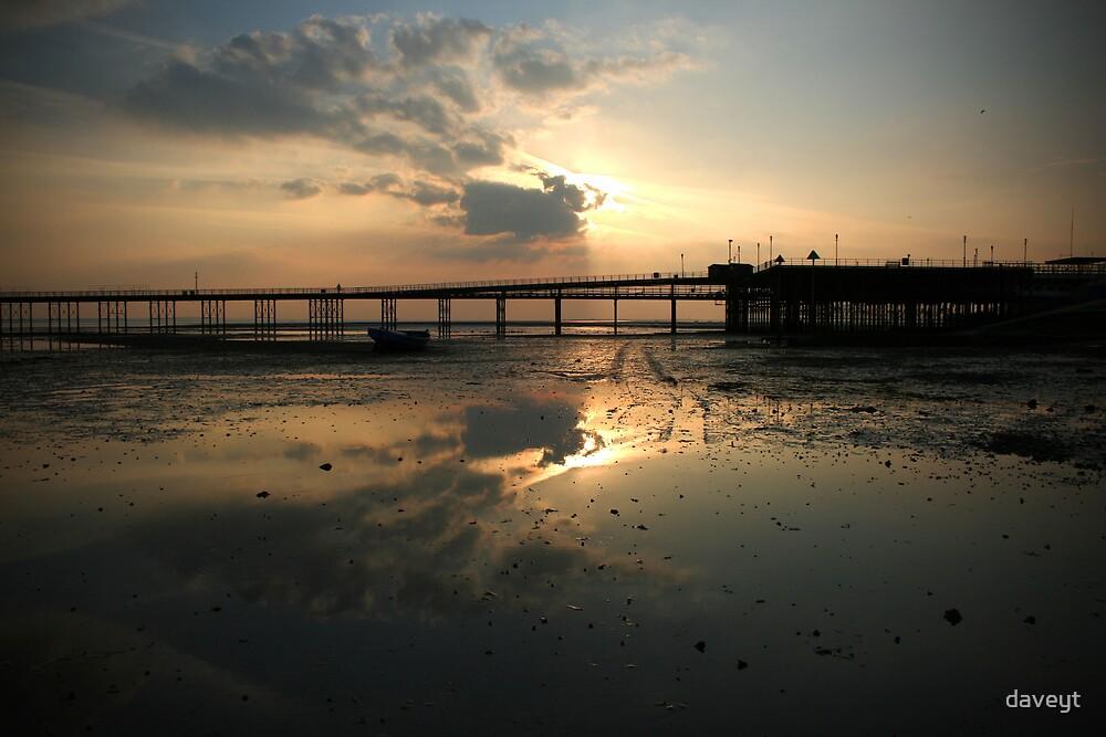 Sunset_Southend pier by daveyt