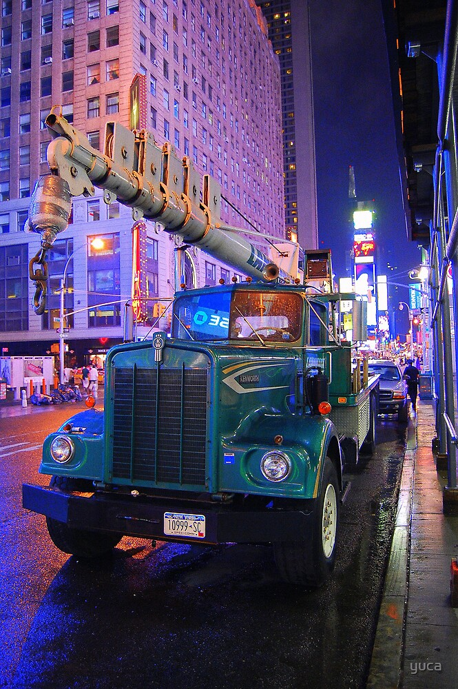 Construction in Times Square by yuca