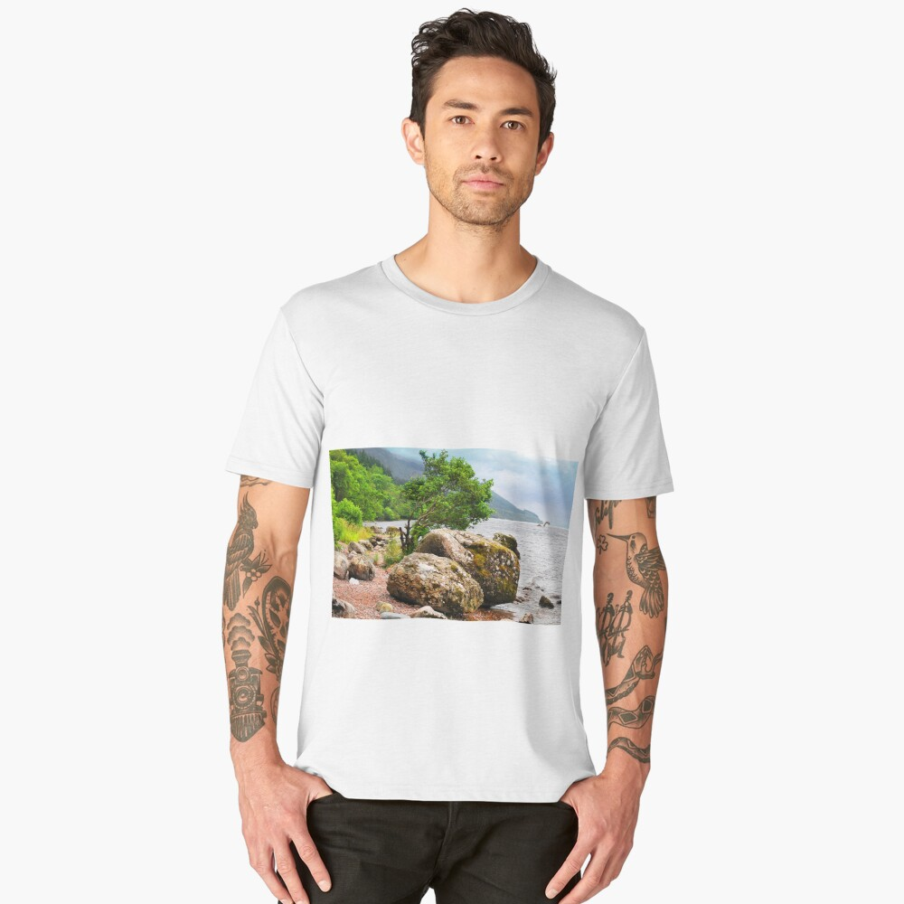 On the shores of Loch Ness - AGAIN Men's Premium T-Shirt Front