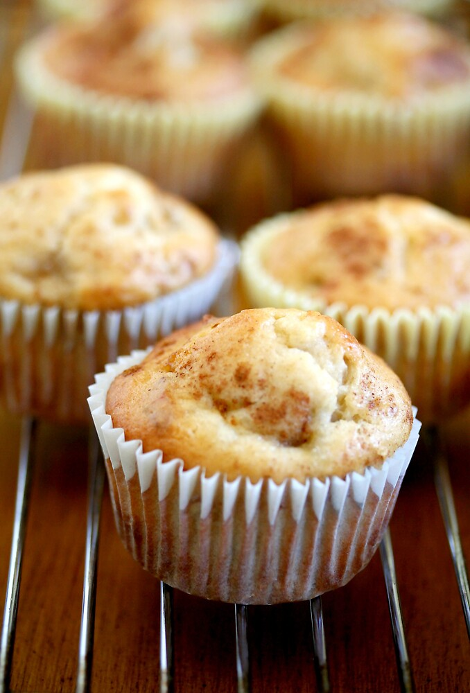 Cinnamon Muffins by chrishawns