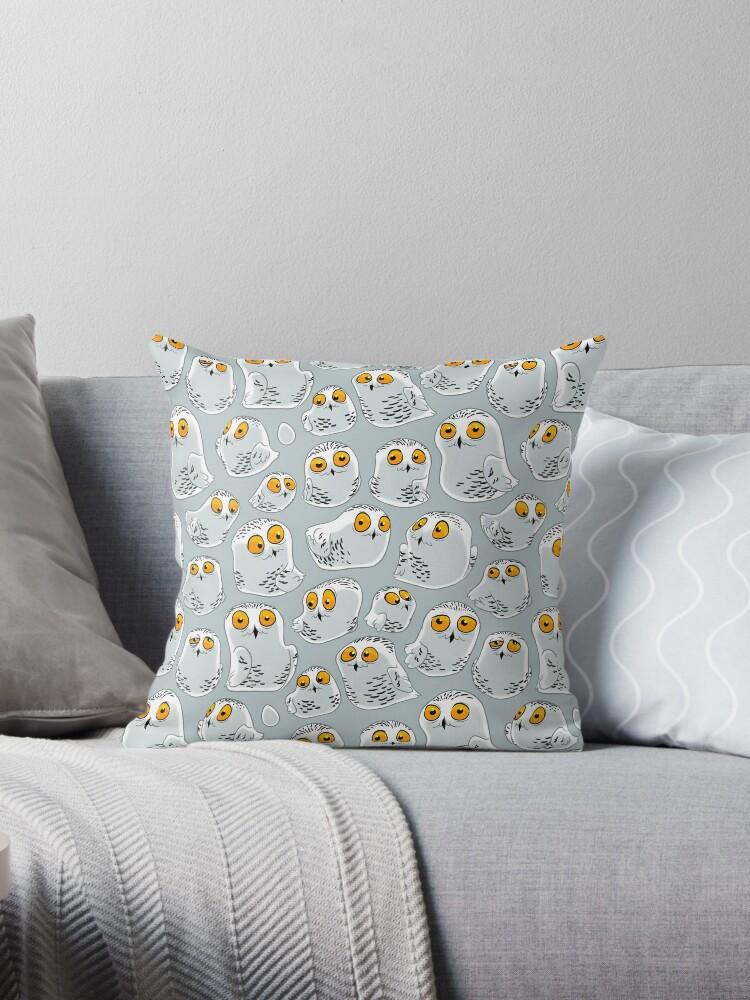 Snowy Owls pattern (Bubo scandiacus) by Iker Paz Studio