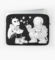 sspace squat Laptop Sleeve