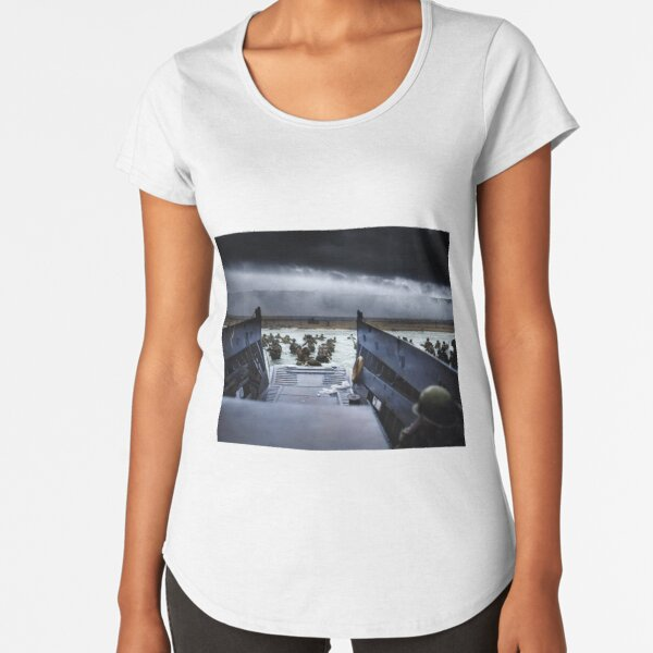 Men of the 16th Infantry Regiment, U.S. 1st Infantry Division wade ashore on Omaha Beach on the morning of 6 June 1944 #DDay Premium Scoop T-Shirt
