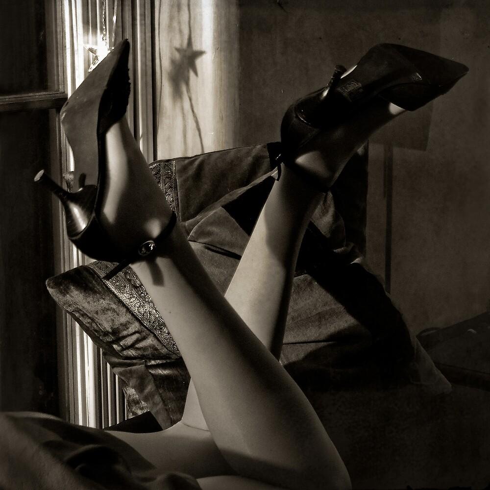 Noir by Mikael Raymond