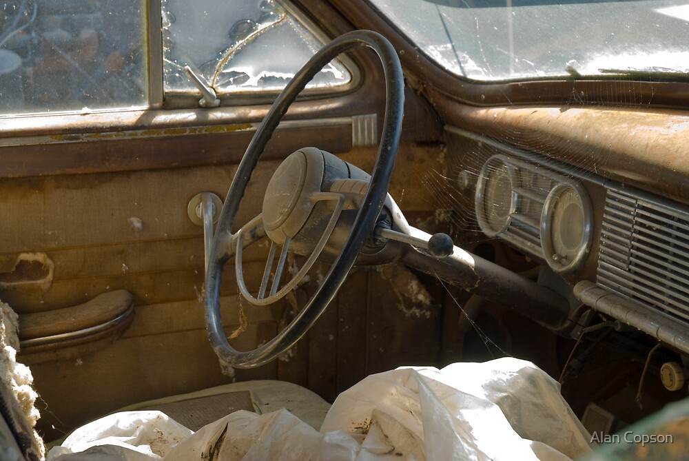 Route 66. White Oak. Old cars in wrecker's yard (Alan Copson © 2007) by Alan Copson