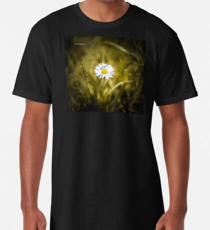 The lonely daisy Long T-Shirt