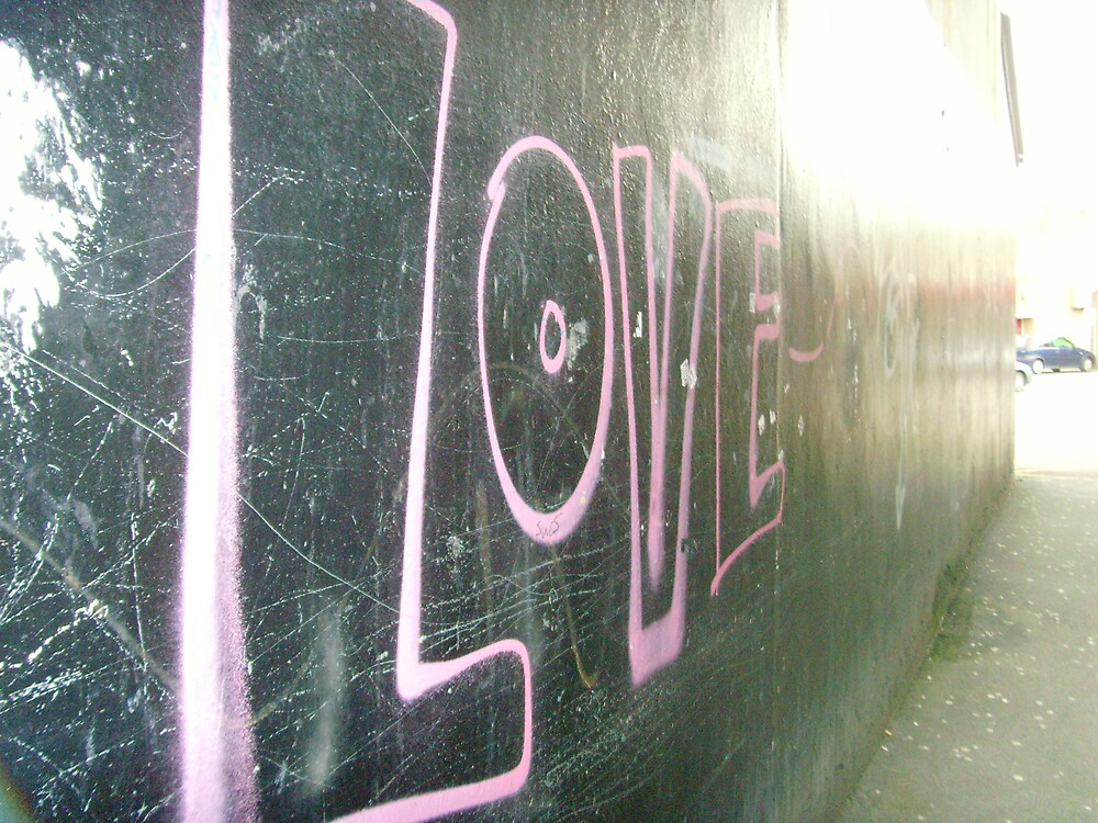 Love is on the wall by chrismbk