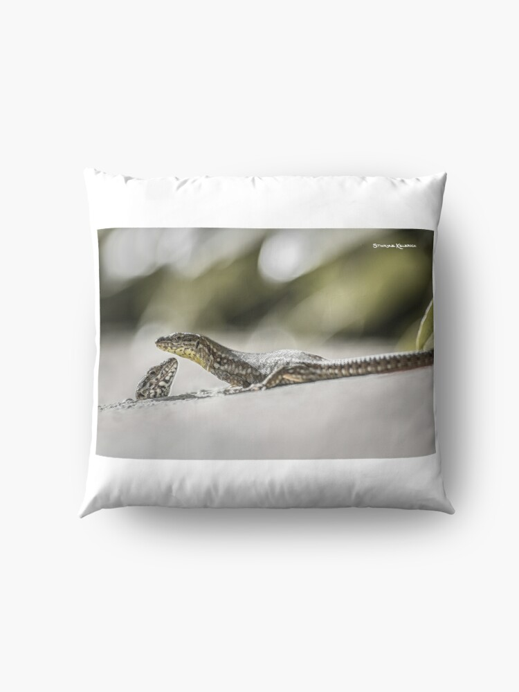 Alternate view of The charming lizards Floor Pillow