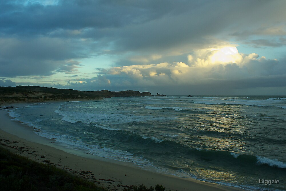 Seas at Port MacDonnell by Biggzie