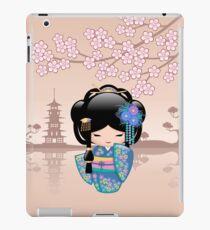 Japanische Keiko Kokeshi Puppe iPad-Hülle & Klebefolie