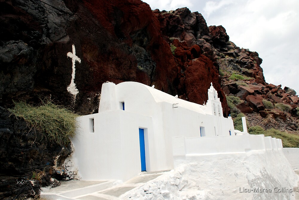 Red Beach, Santorini by Lisa-Maree Collins