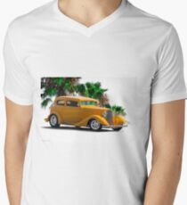 1933 Pontiac Deluxe 8 Touring Sedan III Men's V-Neck T-Shirt