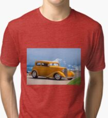 1933 Pontiac Deluxe 8 Touring Sedan IV Tri-blend T-Shirt