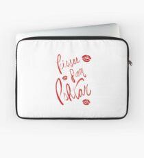 Kisses from Ishtar Laptop Sleeve