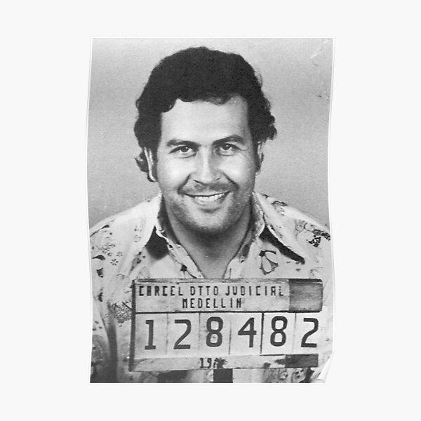 NARCOS TV Show PHOTO Print POSTER Series Art Pablo Escobar Wagner Moura 009