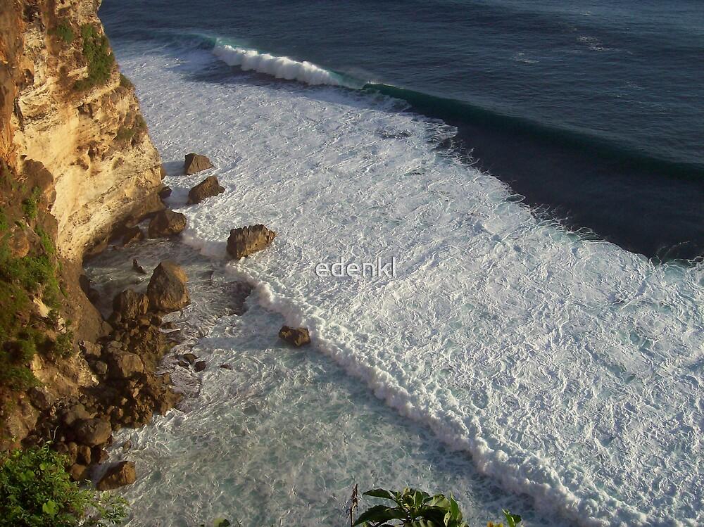 A Gentle Ocean Surf by edenkl