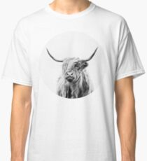 portrait of a highland cow Classic T-Shirt