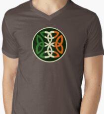Irish Knot Men's V-Neck T-Shirt