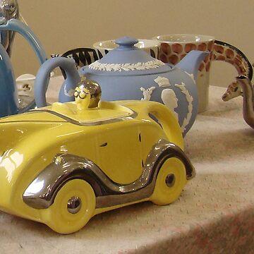 vintage teapot by PeaceM