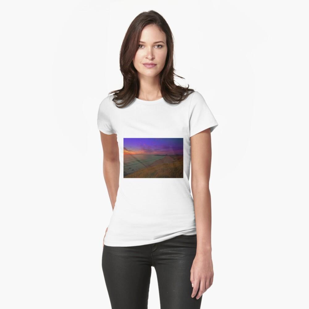 Newquay, Fistral Beach, Strand Sonnenuntergang Tailliertes T-Shirt