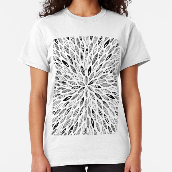 Black leaves, feathers, shells and seeds T-shirt classique