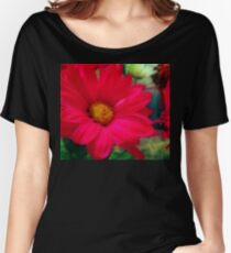 Red Daisies Women's Relaxed Fit T-Shirt