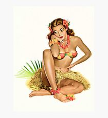 Pin up sexy hula girl in traditional Hawaii costume Photographic Print