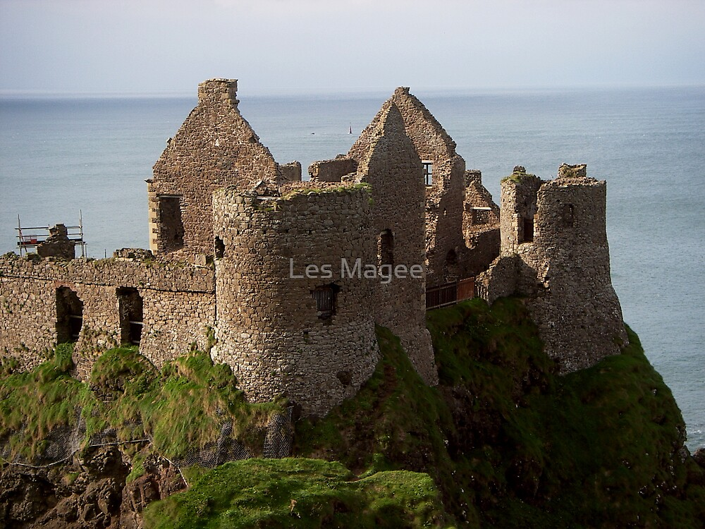 Dunluce Castle, Co Antrim by Les Magee