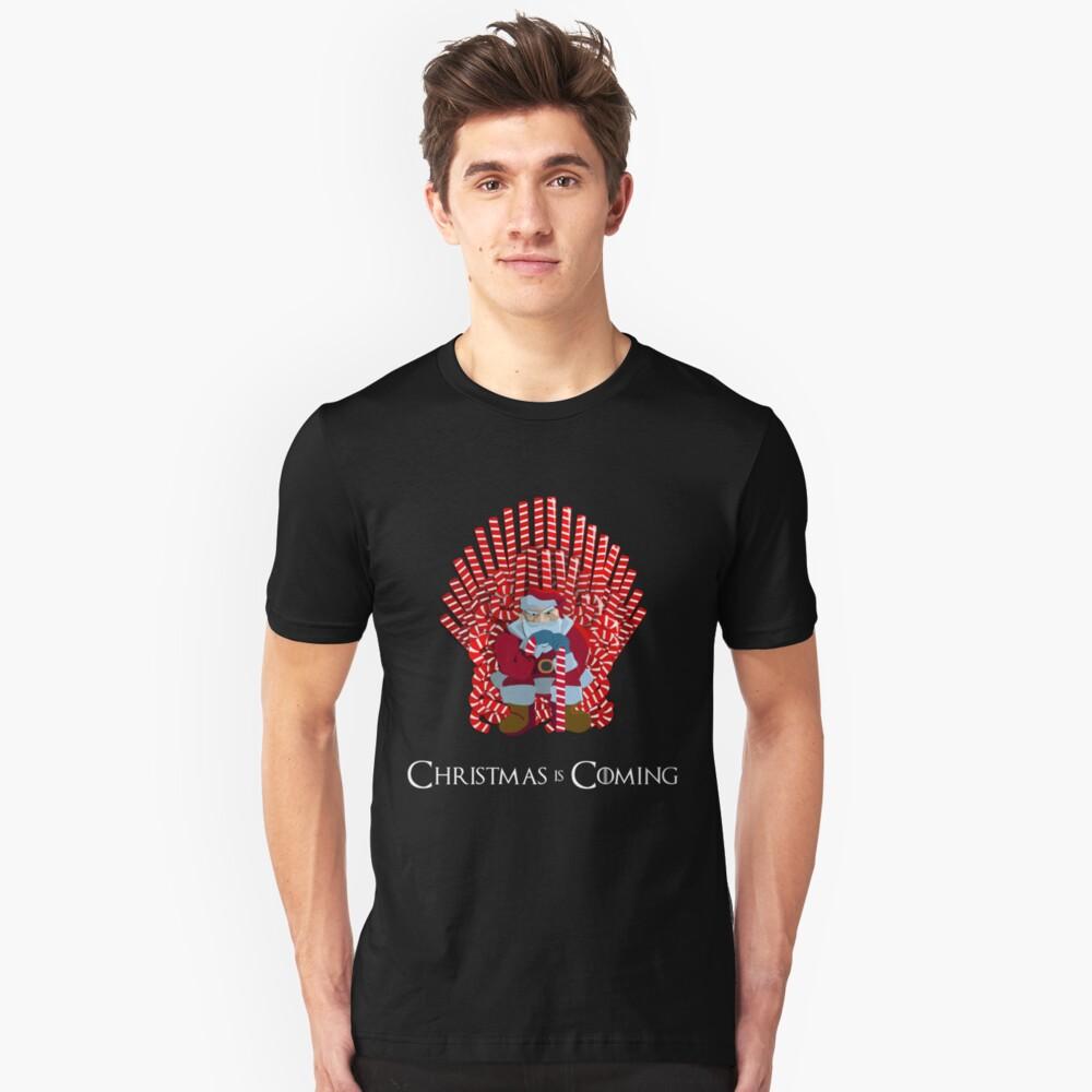 Weihnachten kommt Santa auf Candy Cane Thron Slim Fit T-Shirt